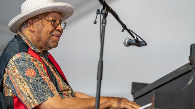 Covid-19: Músico de jazz Ellis Marsalis morreu infetado aos 85 anos