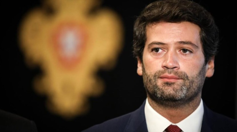 André Ventura apresenta demissão da liderança do Chega