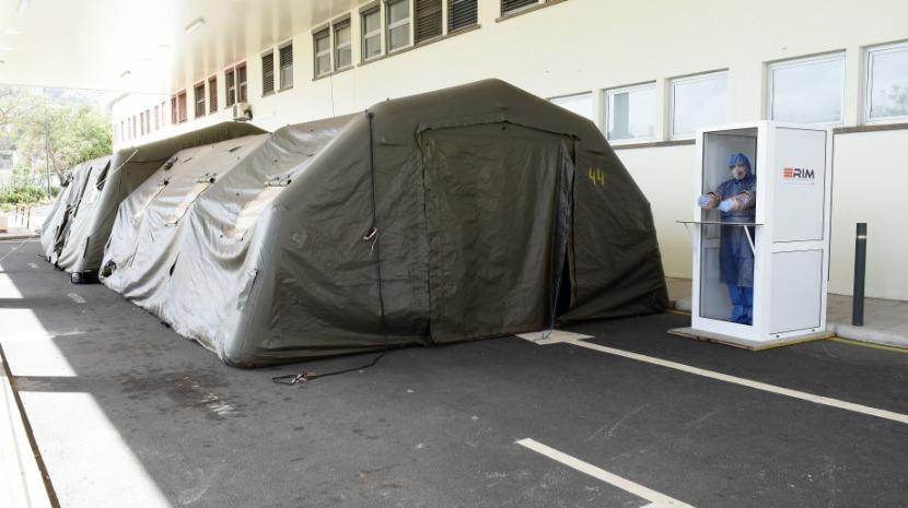 Conheça a cabine de proteção para os profissionais de saúde (com fotos)