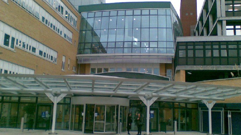 Grávida com Covid-19 morre durante o parto em hospital de Londres