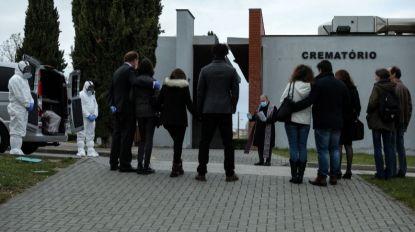 Covid-19: Nos cemitérios portugueses vivem-se dias de solidão indigente