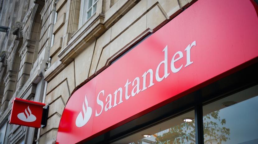 Santander lança em Portugal espaço com informação e conteúdos para ajudar as pessoas e empresas