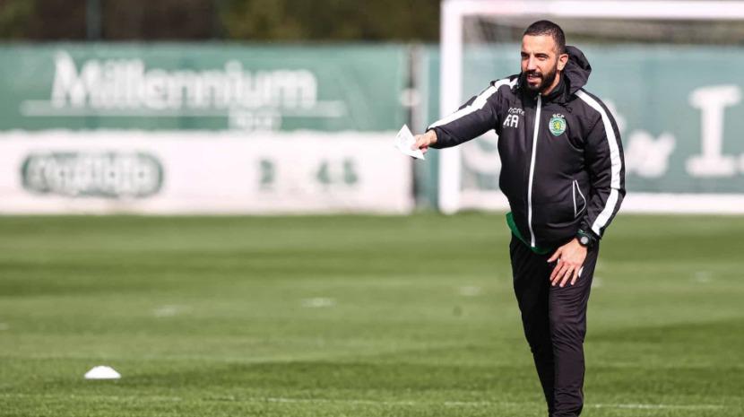 Covid-19: Sporting regressa aos treinos com distanciamento entre futebolistas