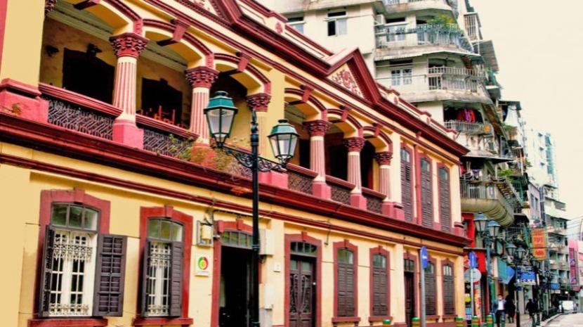 Comunidade portuguesa em Macau envia 25 mil fatos de proteção para Portugal
