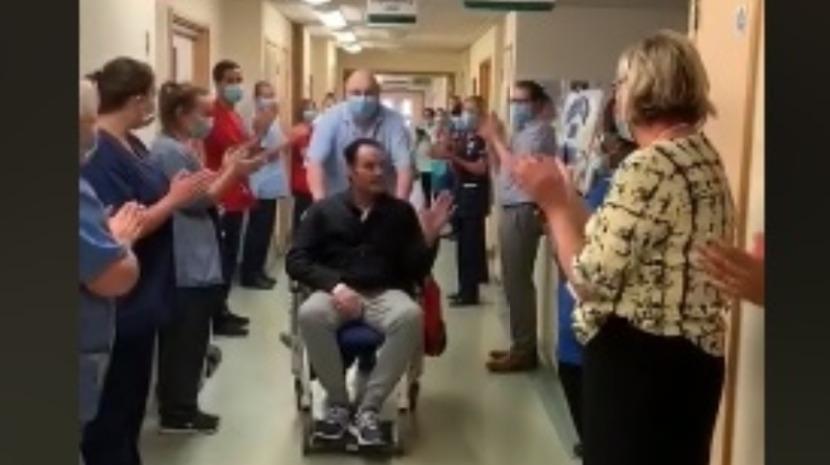 Vídeo mostra madeirense em Jersey que recuperou da Covid-19 a ser aplaudido à saída do Hospital