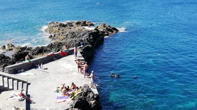 Caniçal: Praia da Ribeira de Natal é a mais procurada pelos banhistas (Fotos e vídeo)
