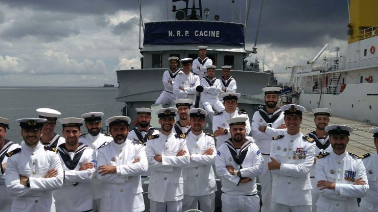 Marinha desarma navio ao fim de 48 anos em missão