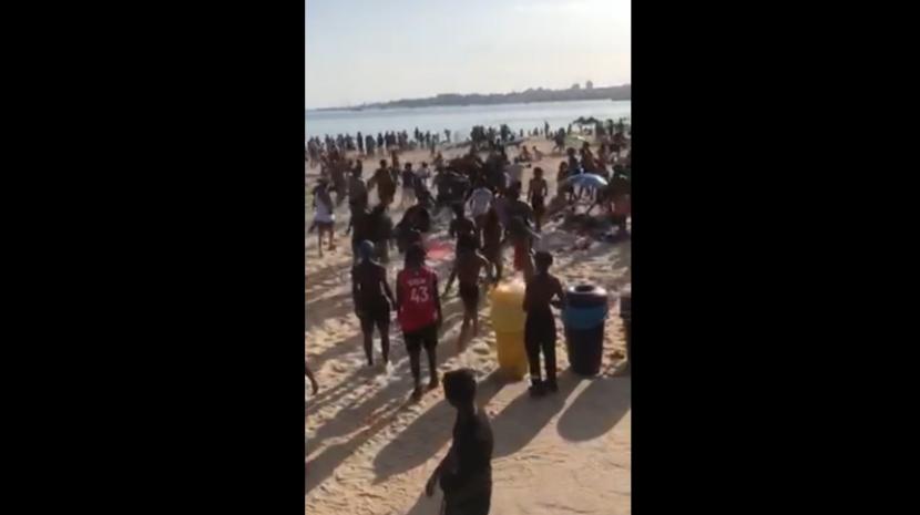 Jovens esfaqueados em briga que deixou praia no Estoril em alvoroço