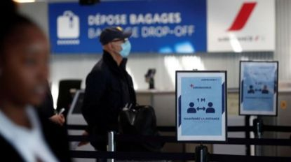 Aeroportos franceses vão testar passageiros de países de risco